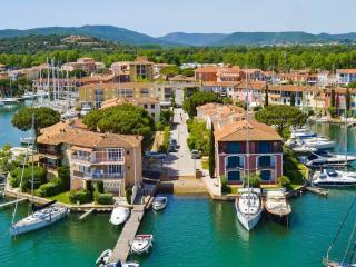 Place au Port Grimaud II