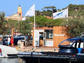 Place au Port de Saint-Tropez
