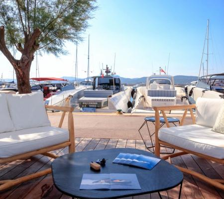 Place au Port de Saint-Tropez